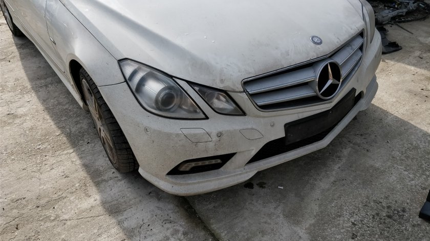 Far dreapta Mercedes E Class coupe 2009 // 2012 C207