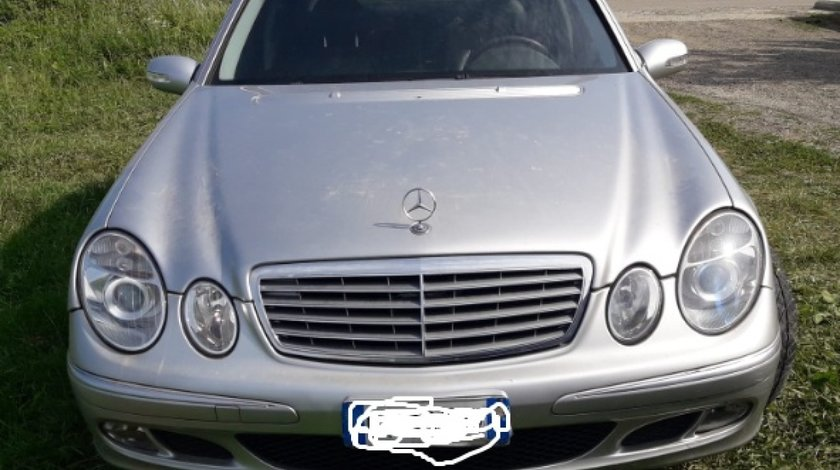 Far dreapta Mercedes E-CLASS W211 2005 berlina 2.7cdi