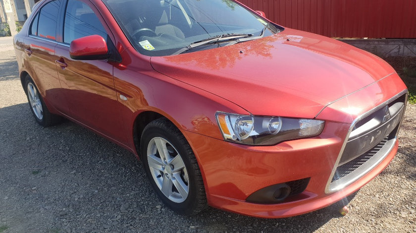 Far dreapta Mitsubishi Lancer 2010 hatchback 2.0 di-d diesel