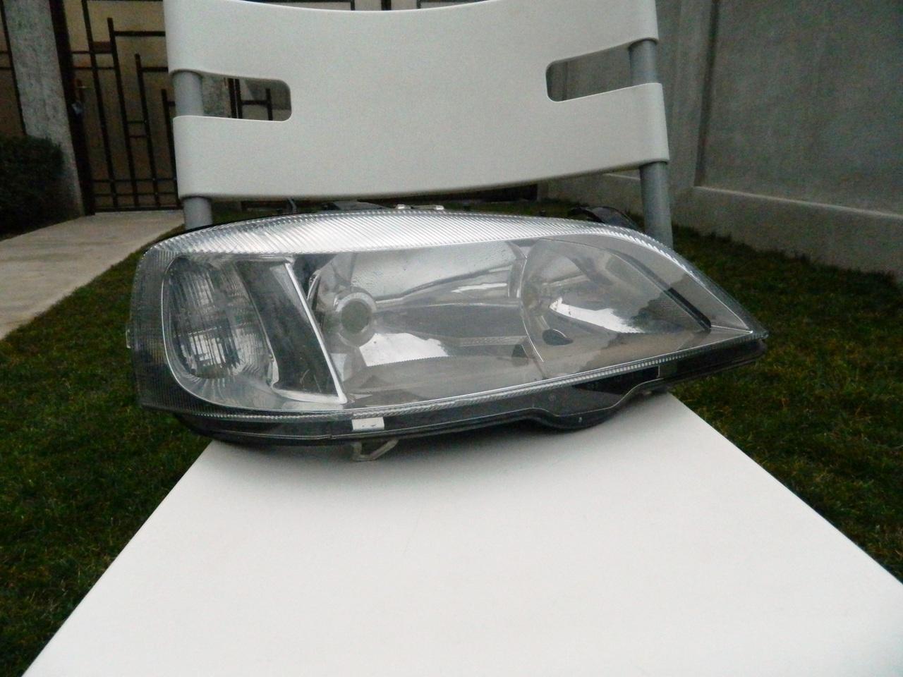 Far dreapta Opel Astra G