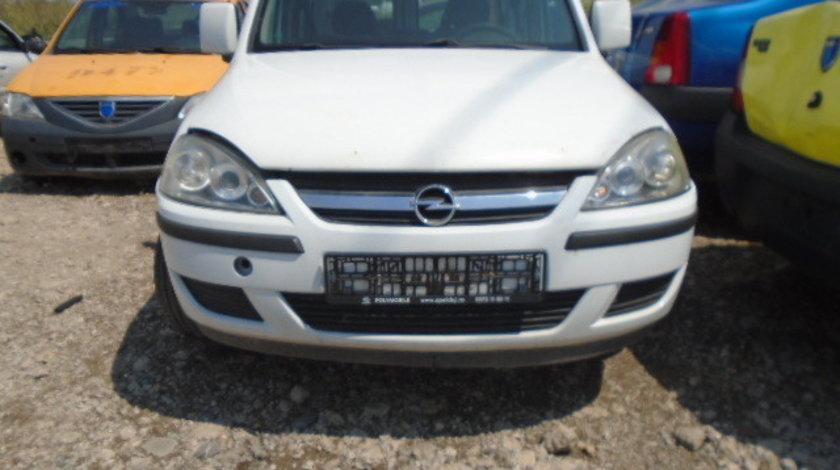 Far Dreapta Opel Combo
