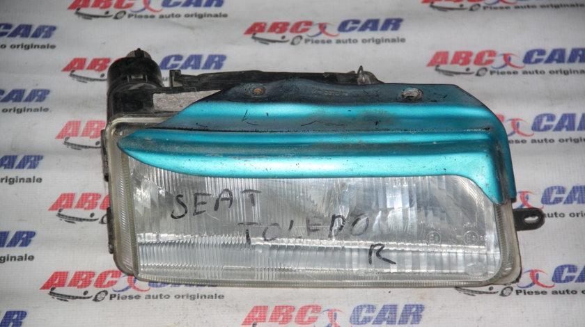 Far Dreapta Seat Toledo 1995-1999 cod: 001-962650