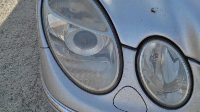 Far dreapta Xenon Mercedes E-Class W211