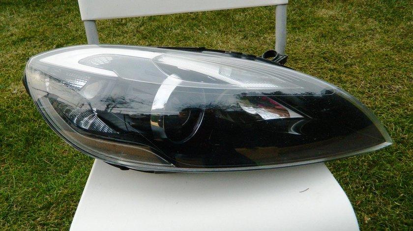 Far dreapta xenon VOLVO V40 XC40 cod 31420008 model 2012-2016