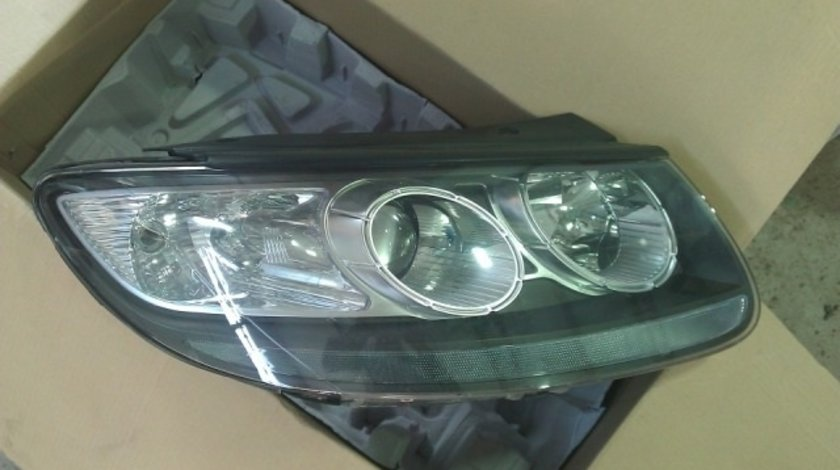 Far Hyundai Santa Fe 2010 2011 2012 2013 nou !