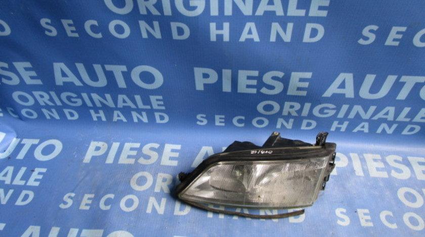 Far Opel Vectra B ;  88201726 (ureche rupta)