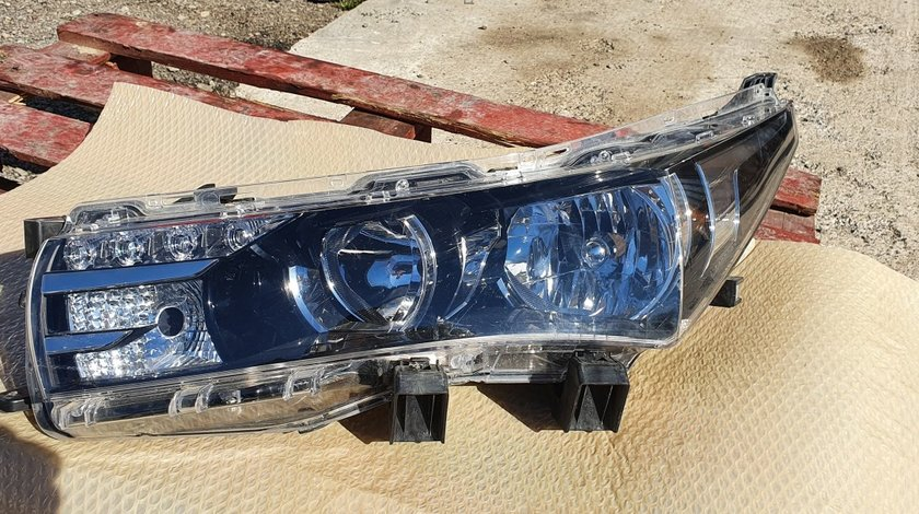 Far stanga LED Toyota Corolla 2013 2014 2015