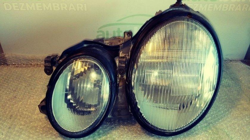 Far Stanga Mercedes Benz E (W210) py21w1156na