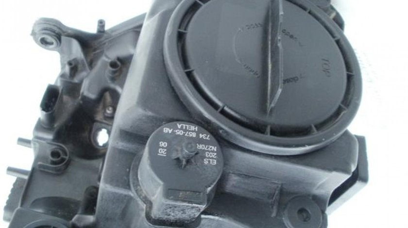 Far stanga Mercedes ML semnal portocaliu bixenon cu adaptiv 2006