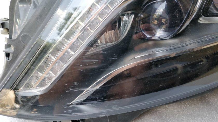 Far stanga Mercedes S Class W222