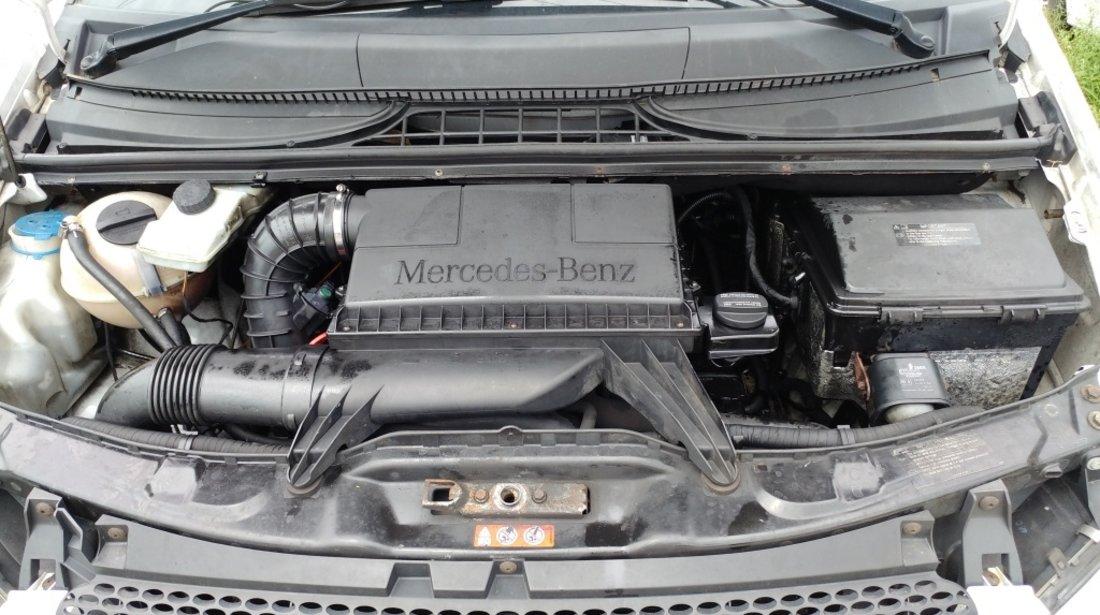 Far stanga Mercedes VITO 2005 duba 2.2