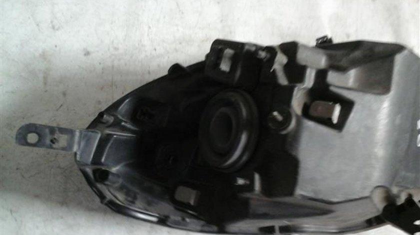 Far stanga Nissan Micra An 2002-2010 cod 26060BC50A