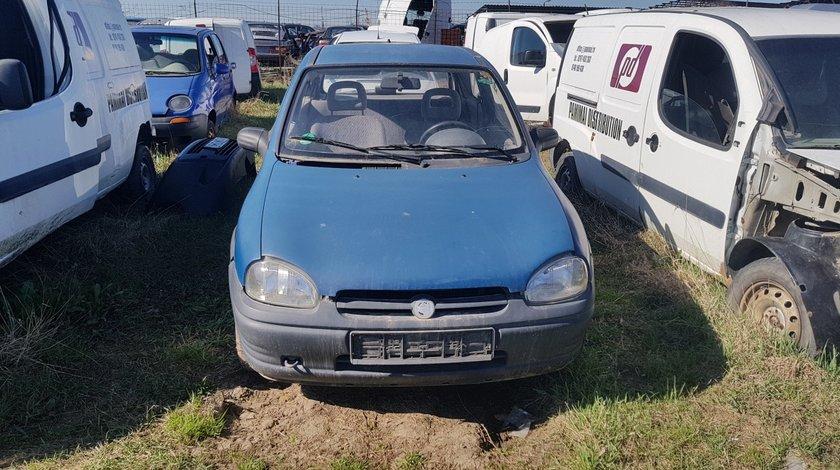 Far stanga Opel Corsa B 1996