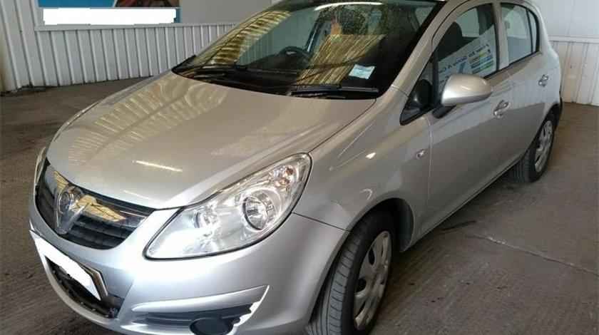 Far stanga Opel Corsa D 2010 Hatchback 1.3 CDTi