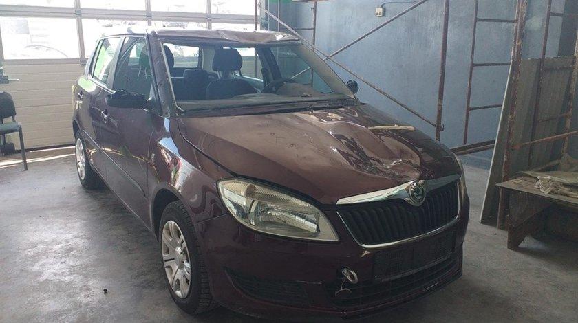 Far stanga Skoda Fabia II 2011 Hatchback 1.2i 51 kw 70cp