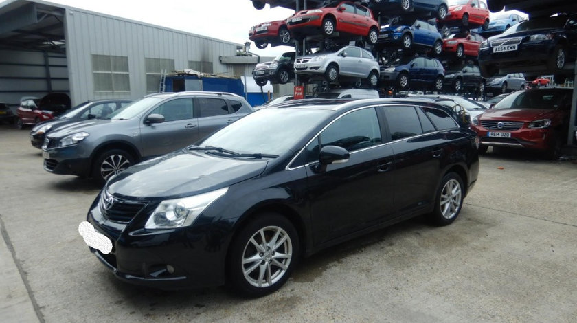 Far stanga Toyota Avensis 2010 Break 2.0 D