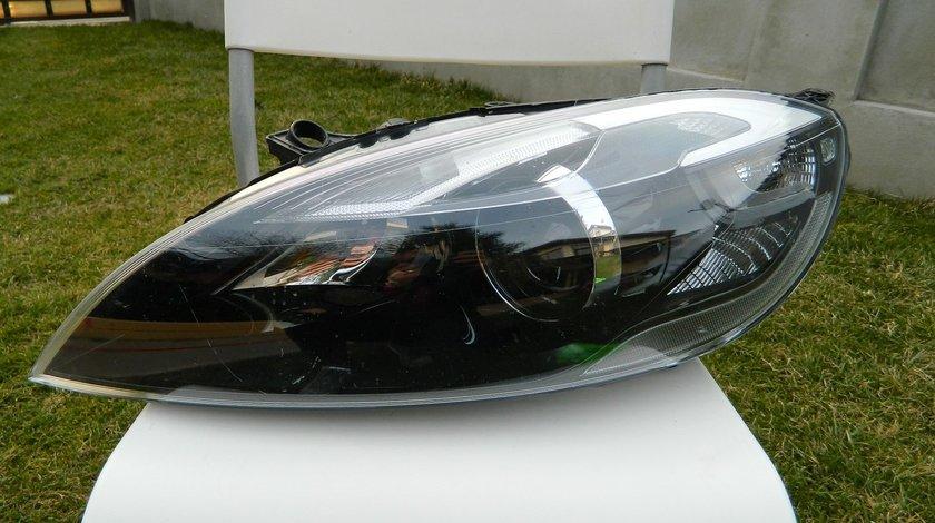 Far stanga xenon VOLVO V40 XC40 model 2015 cod 31420007