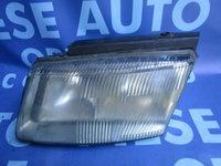 Far VW Passat B5 ; 14742500 (carcasa crapata)