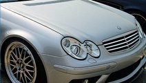 Faruri W203 c-klasse Mercedes model AMG