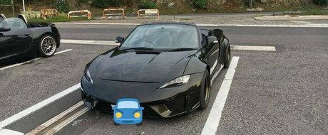Fata-i de Mazda MX-5 iar spatele de Nissan GT-R. Ce masina se ascunde de fapt sub toate acestea