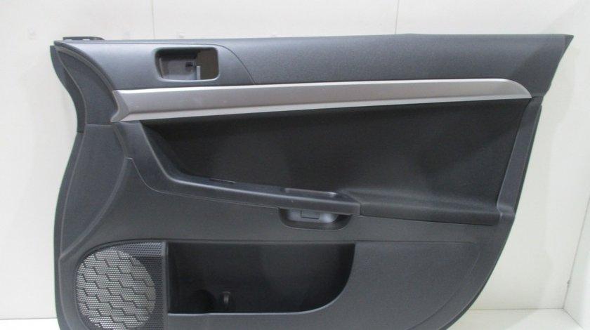 Fata usa interioara dreapta fata Mitsubishi Lancer an 2007-2014 cod 7221A448XA