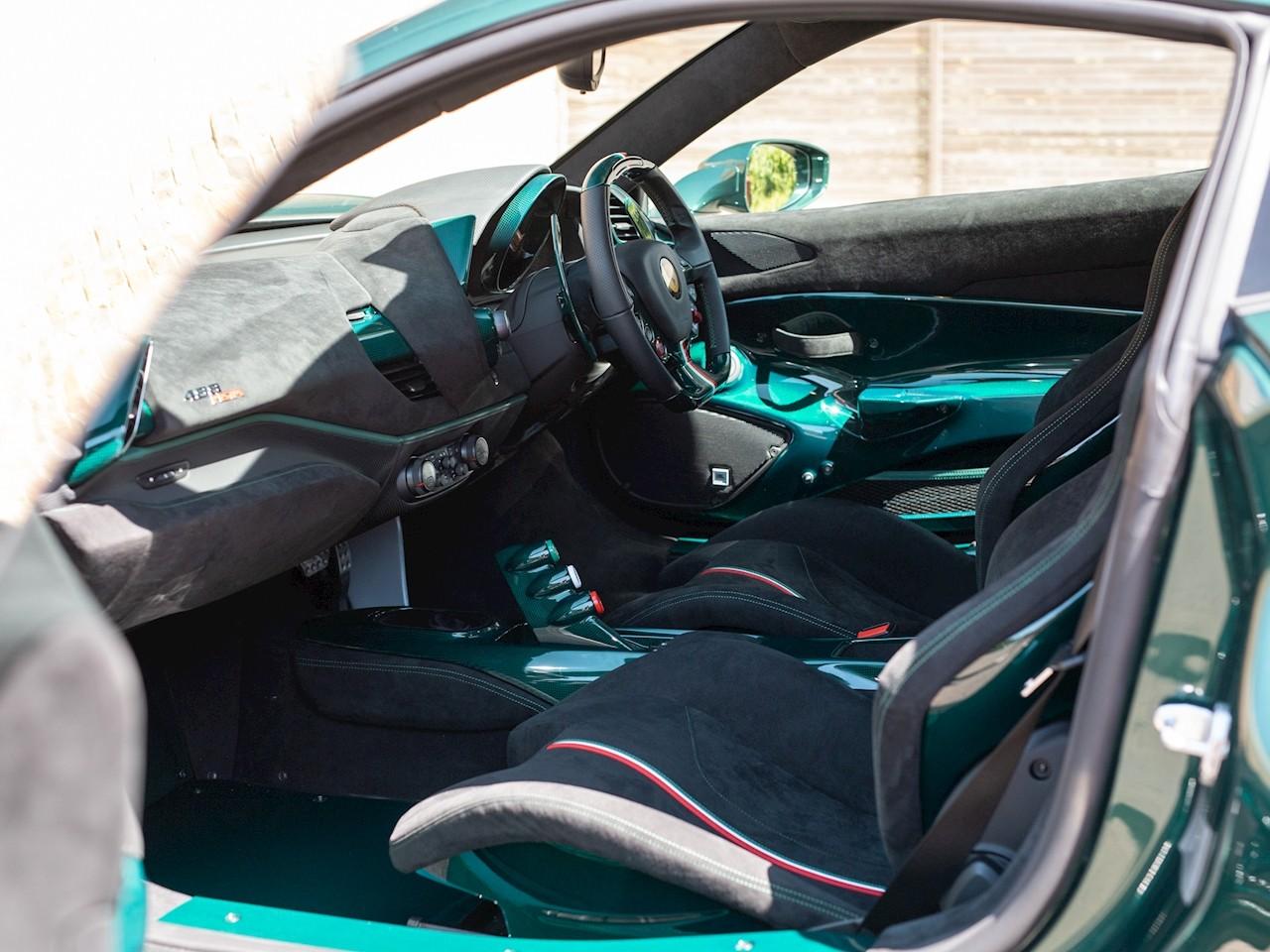 Ferrari 488 Pista in Verde Scuro - Ferrari 488 Pista in Verde Scuro