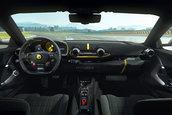 Ferrari 812 Competizione si Ferrari 812 Competizione A