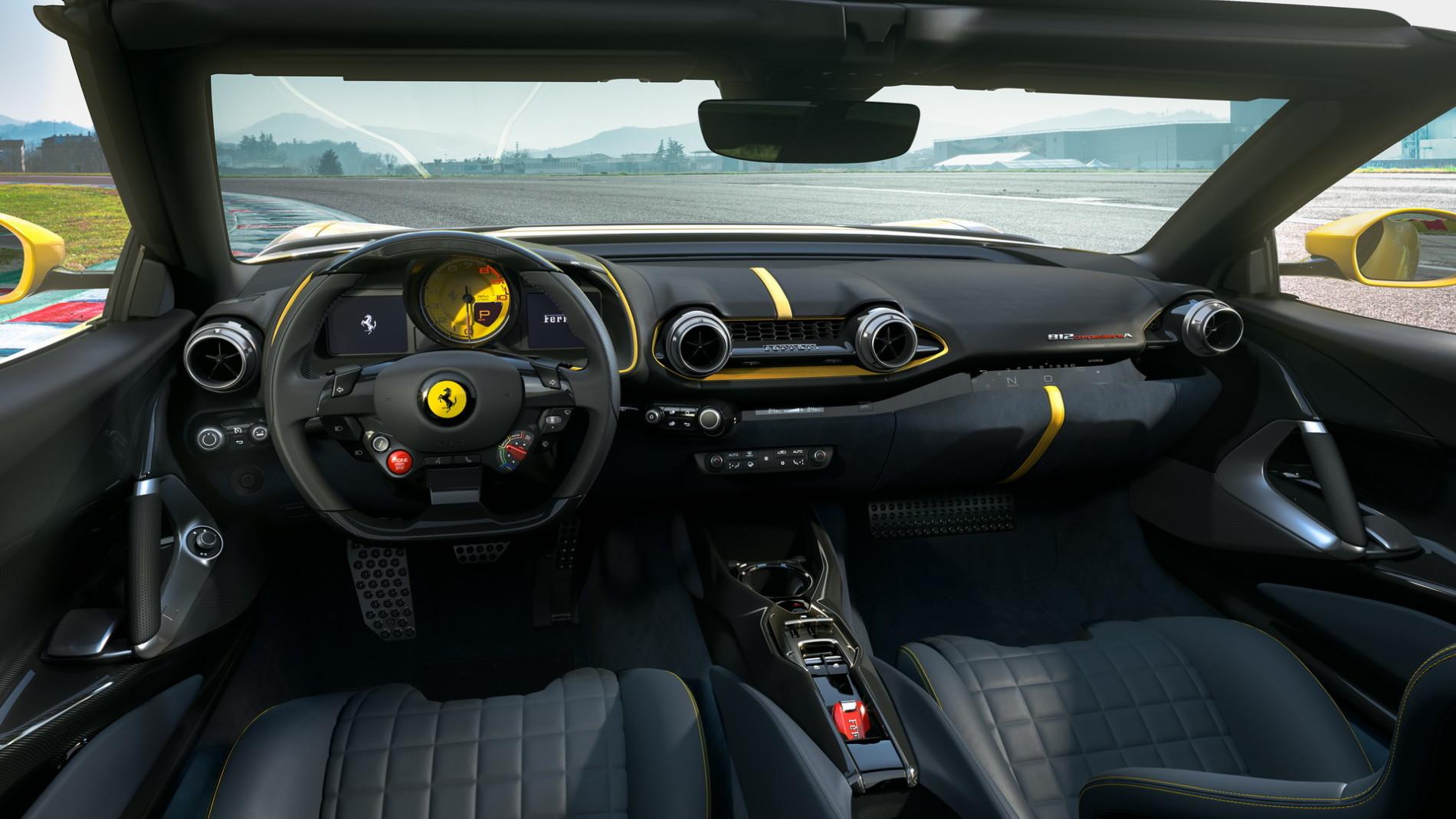 Ferrari 812 Competizione si Ferrari 812 Competizione A - Ferrari 812 Competizione si Ferrari 812 Competizione A