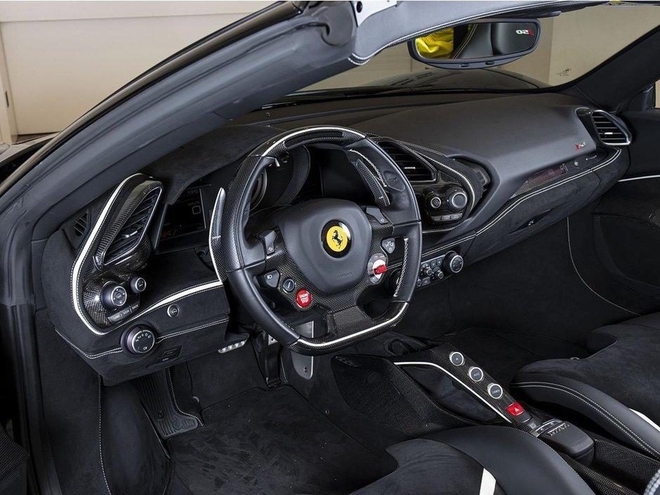 Ferrari J50 vanzare
