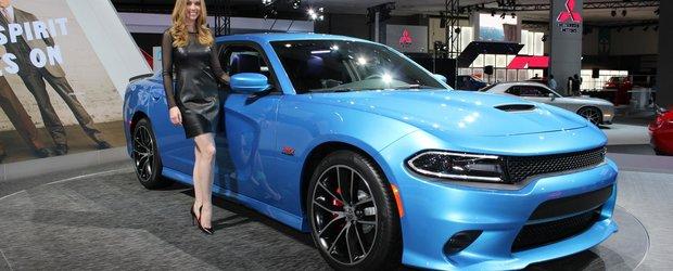 Fetele frumoase ale Salonului Auto de la Los Angeles 2014
