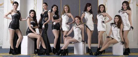 Fetele provocatoare ale Salonului Auto de la Bangkok pozeaza... in absenta completa a masinilor