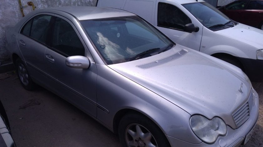 Filtru particule Mercedes C-Class W203 2001 Berlina 2.2 cdi