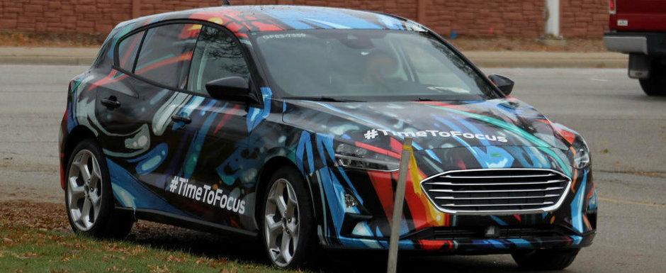 Ford a scos pe strazi noul Focus. Caroseria a primit un camuflaj prin care se vede ABSOLUT TOT