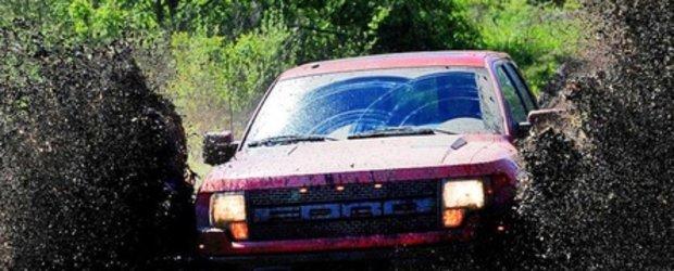 Ford F-150 SVT Raptor - Prima baie de noroi!