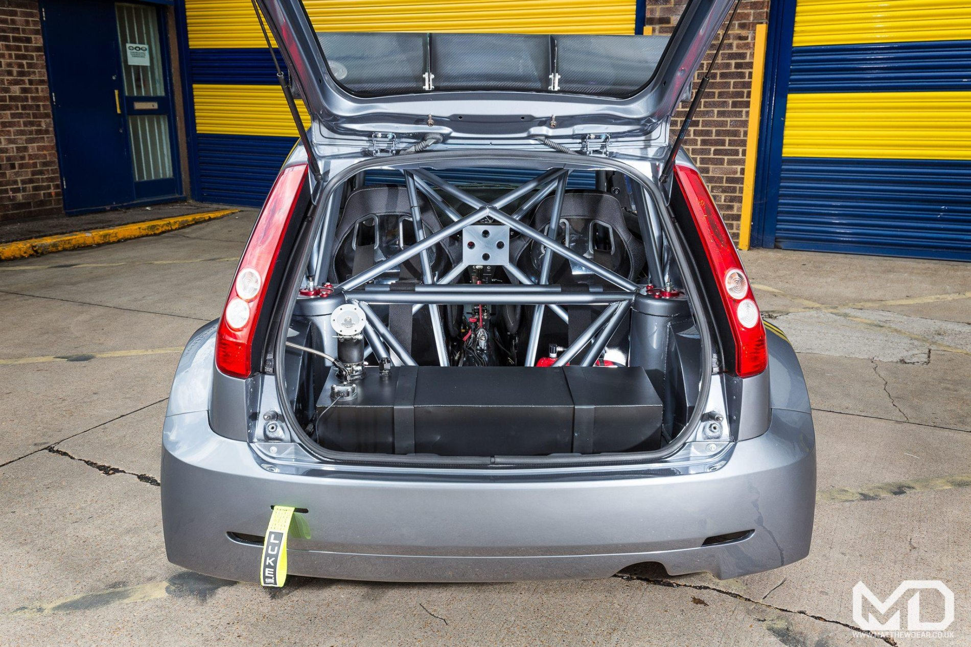 Ford Fiesta cu motor Cosworth si tractiune integrala - Ford Fiesta cu motor Cosworth si tractiune integrala