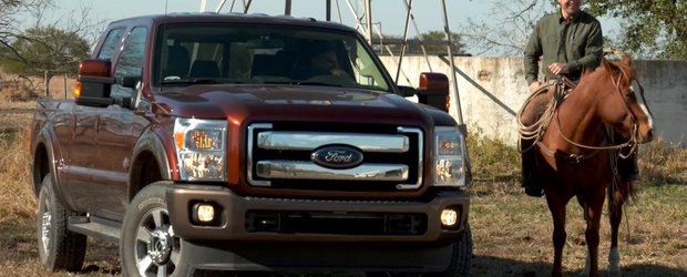 Ford isi promoveaza camionetele cu ajutorul unei ferme americane si a unui fotograf