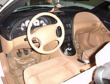 Ford Mustang Cobra R cu 187 de mile
