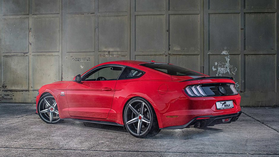 Ford Mustang One of 7