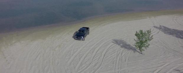 Ford ne arata din drona cum este testat noul F-150 Raptor