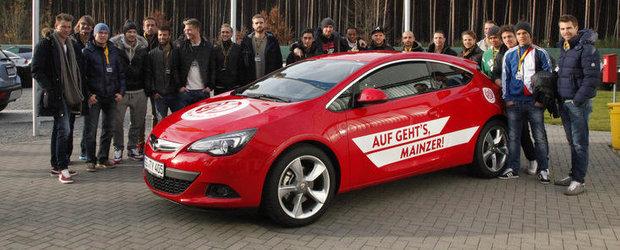 Fotbalistii echipei de fotbal Mainz 05 in vizita la Opel
