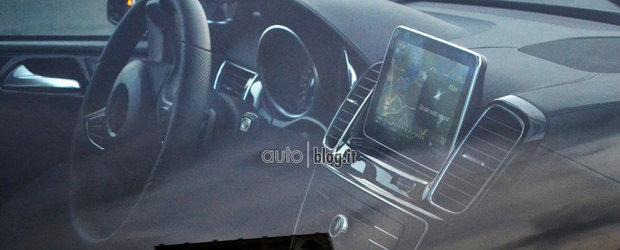 FOTO SPION: Noul Mercedes ML-Class ne dezvaluie cum va arata interiorul sau