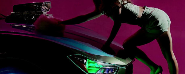 Frumoasa si bestia: Kylie Minogue danseaza provocator pe un Maserati modificat