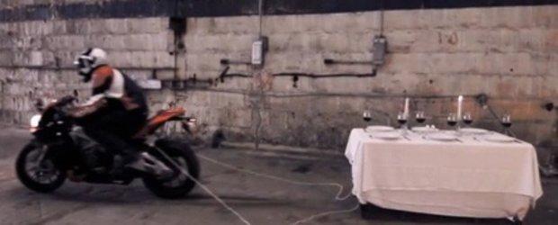 Funny Promo: Aprilia RSV4 da gres, dar este un adevarat invingator