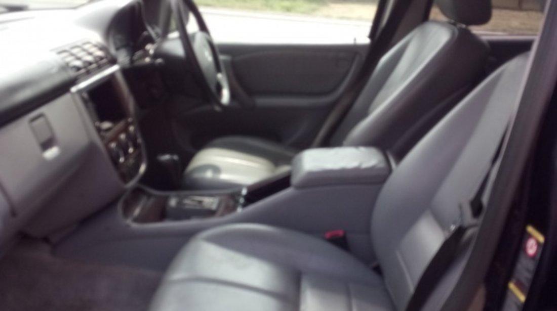 Fuzeta dreapta fata Mercedes M-CLASS W163 2004 SUV 2.7 CDI