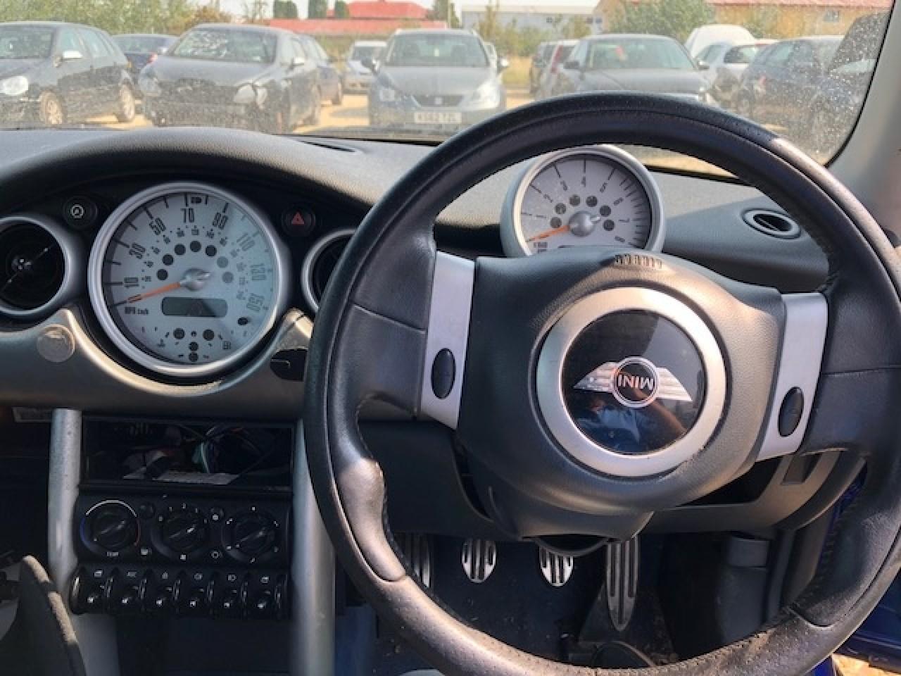 Fuzeta dreapta fata Mini Cooper S 2003 Hatchback 1.6