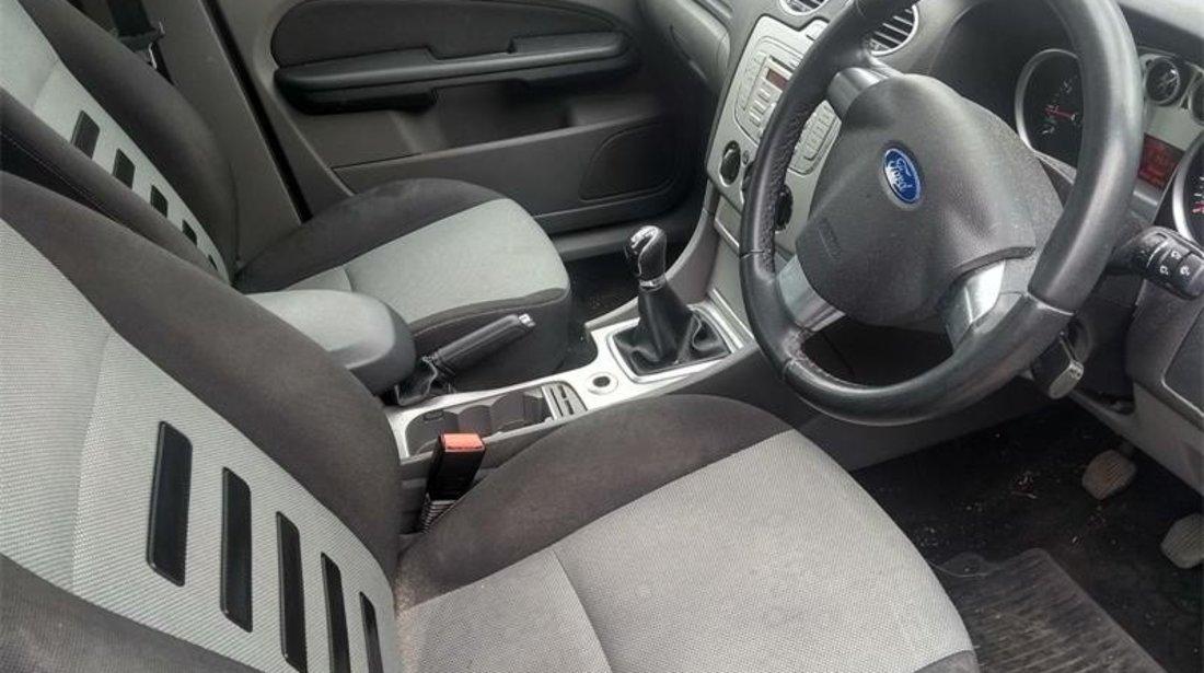 Fuzeta dreapta spate Ford Focus Mk2 2009 Hatchback 1.6