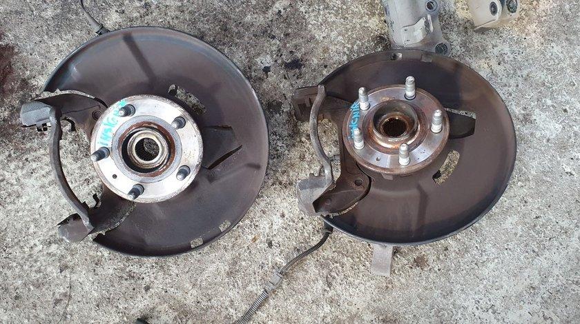 Fuzeta stanga dreapta fata Opel Insignia 2.0 CDTI 2010 2011 2012 2013