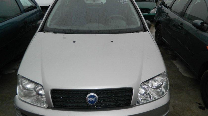 Fuzete fata Fiat Punto 1.2B 16V model 2006