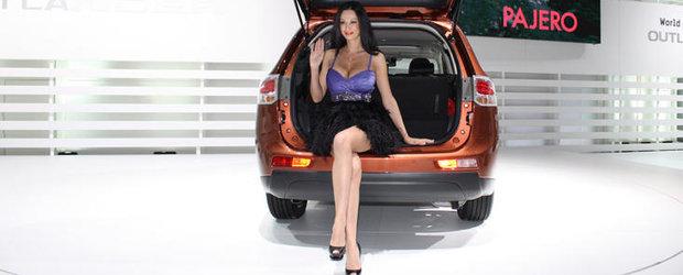 Galerie Foto: Nicoleta Luciu si armata de fete de la Geneva Motor Show 2012