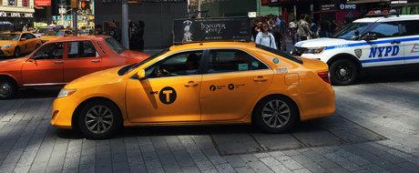 Gaseste Dacia dintre masinile americane. Imagini de senzatie cu un 1300 iesit la plimbare pe strazile din NY.